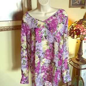 Tops - Floral orchid top